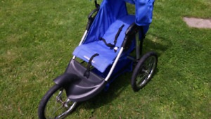 BABY TRENDS 3 WHEEL NEW STYLE STROLLER LIKE NEW STORED INDOORS