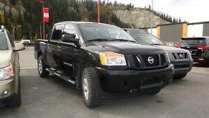 2014 Nissan Titan SL 4x4 SWB Crew Cab