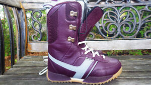 Women's snowboard and boots for sale Gatineau Ottawa / Gatineau Area image 7