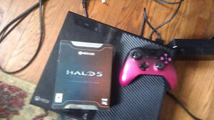 Selling xbox 1 180$ or best offer