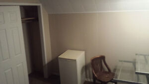 Room for Rent, Working Men and Acc Students