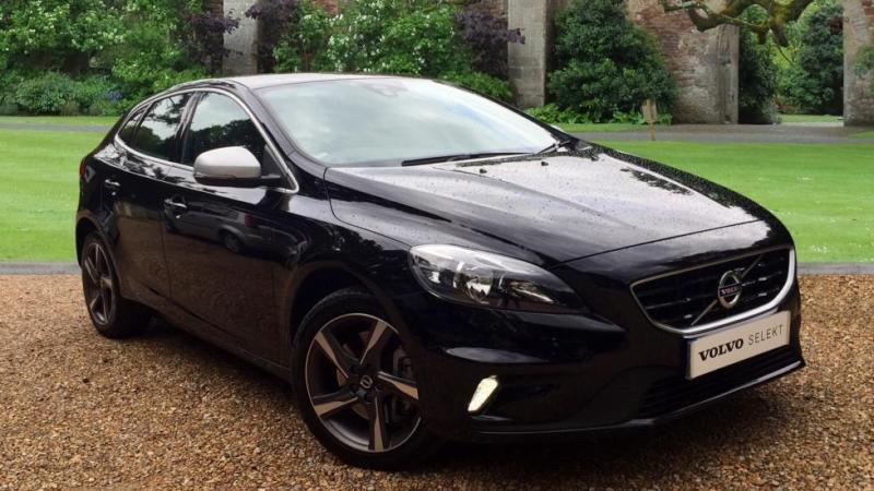 2015 volvo v40 t2 r design nav keyless drive automatic petrol hatchback in horley surrey. Black Bedroom Furniture Sets. Home Design Ideas