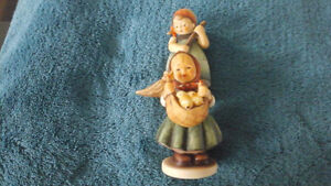 "Hummel  ""Little  Homemakers"" , pair of figurines  and mini-plate Kitchener / Waterloo Kitchener Area image 6"