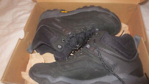 New Merrell Everbound Mid Waterproof Black Boots Size 13