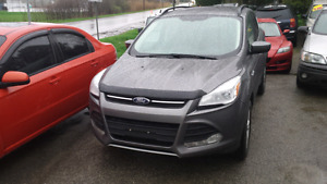 2014 ford escape awd with nav and backup camera