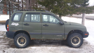 2002 chevy tracker with parts tracker