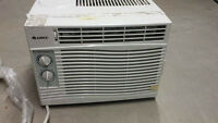 Air conditioner 5000 btu very clean and works great