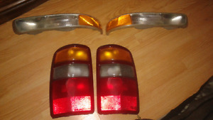 2003 GMC Yukon Marker and tail lamps