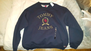 Chandail Tommy Jeans XL (NEW with Tag)