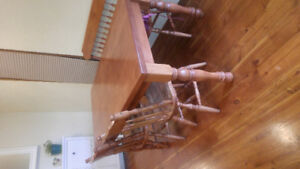 MOVING** SOLID MAPLE TABLE /w CHAIRS & BENCH **MOVING