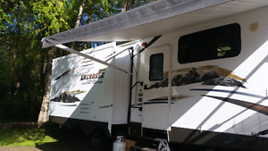 33' Lacrosse travel trailer for sale