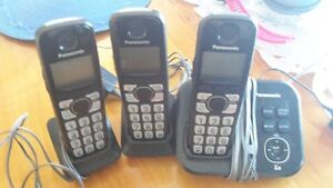 Panasonic base remote phone and two handsets remote phones