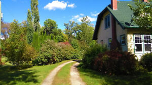 English Cottage Style House For Sale in Gladstone