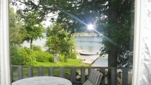 4 bdr waterfront cottage near Kingston $130 a night
