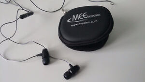 MEElectronics Earphones - w/ Carrying Case & Variety of Earbuds