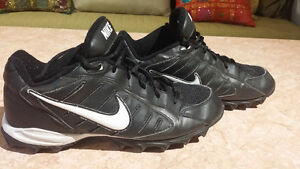 Nike Football Sz 8.5 West Island Greater Montréal image 1