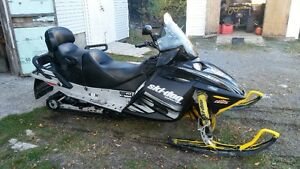 2005 Skidoo Expedition 550f with extra's