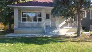 6 Bedroom House for Rent (3+3)