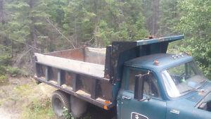 camion dompeur 71  inter  5 ton