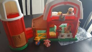 Fisher Price Little people Farm or Garage 20$ each