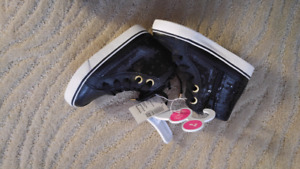 BNWT Size 7 Children's Place Black Pleather and Sequin High Tops