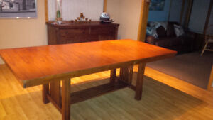 beautiful dining table great condition