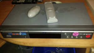 Samsung DVD Player with 2 remotes