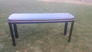 Granite-like table in mint condition for sale