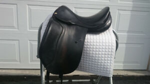 17.5 Jaguar XKC Dressage Saddle for Sale