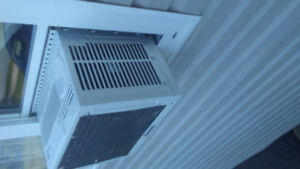 AIR COND WORKS GOOD ICE COLD AIR TEXT818-2247