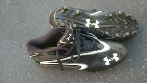 Under Armour Football/Soccer Cleats size 10