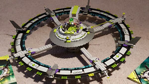 Lego Alien Conquest set