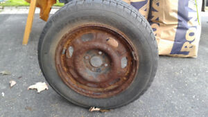 selling set of 4-season tires, excellent condition