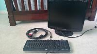 **MINT** Samsung HD Monitor w/ Cables & FREE HP Keyboard