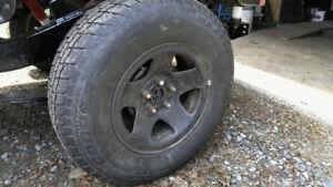 pneu hiver  5x114.3 235/75r15