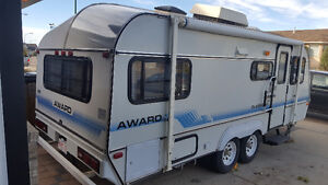 23' Award RV trailer, lightweight, aerodynamic.