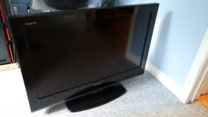 "32"" Sharp Aquos TV"