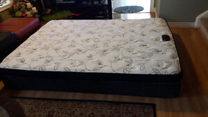 3 months old Queen mattress with box spring for sale Kitchener / Waterloo Kitchener Area image 3