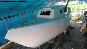 Unique 26' Bruce Roberts Sailboat Hull & Deck, trailer, Misc.