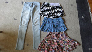 Lot: 8 jeans,3 jupes,1 robe fille grandeur 10-12 ans West Island Greater Montréal image 6