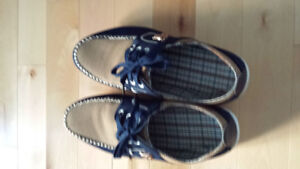 Souliers neuf pour homme