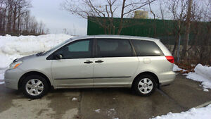 2004 Toyota Sienna CE Minivan with LE rims