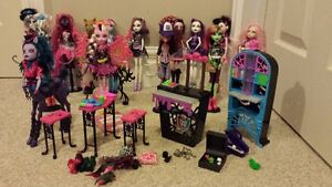 13 MONSTER HIGH DOLLS and ACC