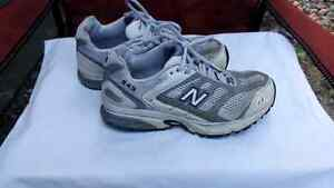 """New Balance size 6 """"Abzorb"""" sneakers (good condition)"""