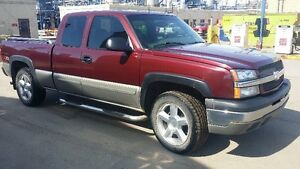 2003 Chevrolet Silverado Z71 1500 Loaded Pickup Truck