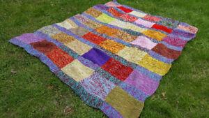 Magnifique couverture de laine multicolore