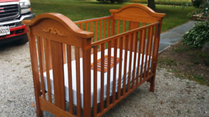 INFANT CRIB THAT CONVERTS TO TODDLER BED THAT MUST GO!!!