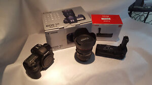 CANON EOS-5D MK III W/ EF 24-105 IS KIT and BG-E11 Battery Grip