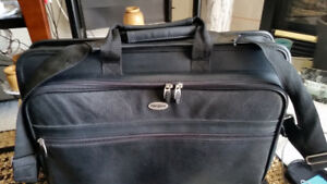 "17"" Targus Full Leather Laptop Briefcase."