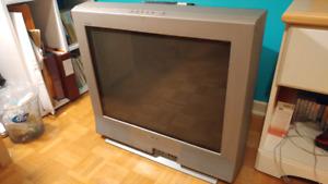 """Sony 27""""Triniton (CRT) TV"""